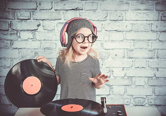 Barndisco – så anordnar du ett lyckat disco på kalaset